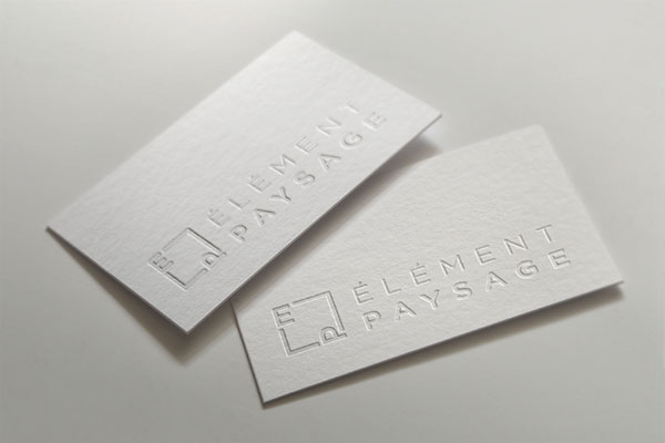 "Impression de type ""letterpress"" avec logo embossé. Carton en fibre 100% coton. Photo courtoisie : duval design communication."