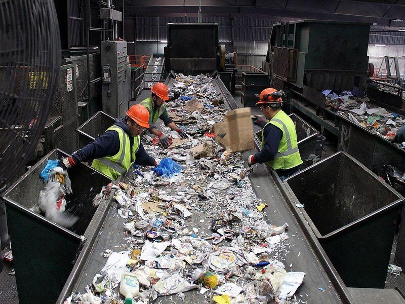 Source : https://www.npr.org/2015/03/31/396319000/with-single-stream-recycling-convenience-comes-at-a-cost