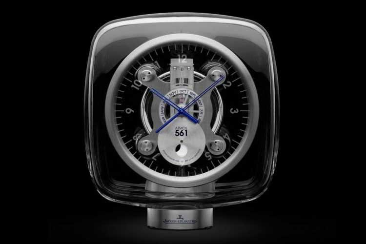 Montre conçue et signée par le réputé designer Marc Newson, pour célébrer les 80 ans de Jaeger-LeCoultre. Fabriqués à 888 exemplaires en 2008, et vendue entre 15 et 20000 euros.